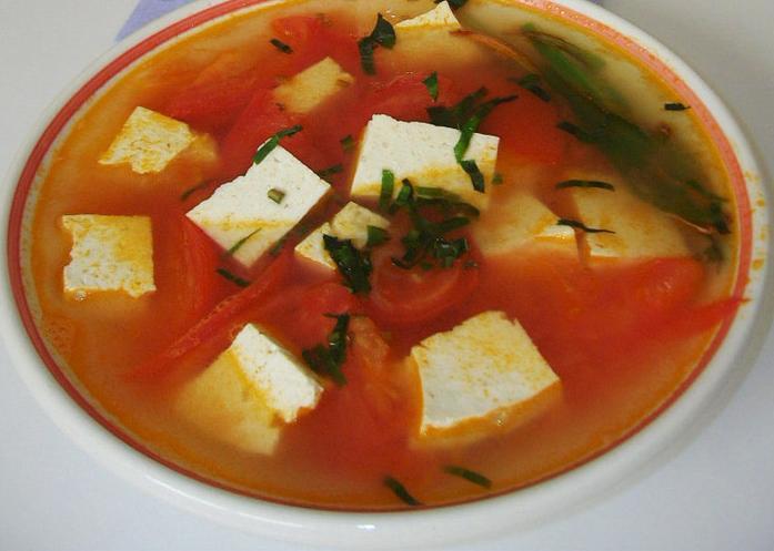 làm món canh đậu phụ cà chua