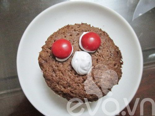 cach_lam_banh_cupcake_xac_uop_cho_halloween_6