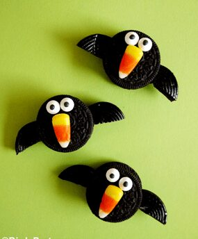 halloween_no_bake_easy_kids_crafts_sweet_treats_dessert_spooky_food_ideas_party_snacks_recipes_crow_ghost_spider_candy_jack_o_lantern