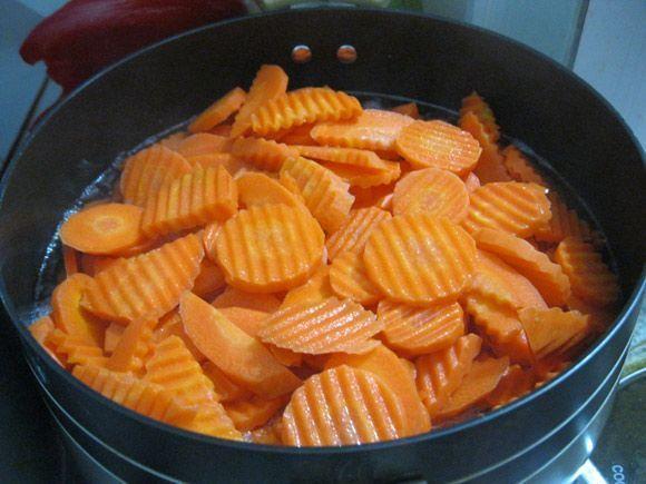 Hướng dẫn làm mứt cà rốt ngon ngọt đón Tết về