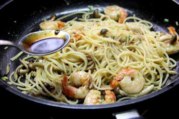 Mì Spaghetti xào nấm lạ miệng