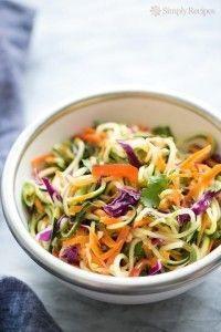 Cùng làm salad mì trộn chay