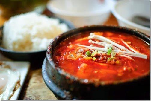 Món chay : Lẩu nấm đậu hủ Hàn Quốc .