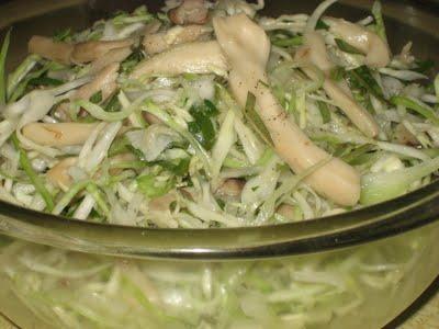 Món chay : Gỏi nấm xé phai …