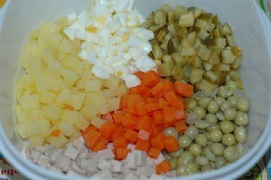 Cách làm salad kiểu Nga giải nhiệt cho bữa ăn ngày hè