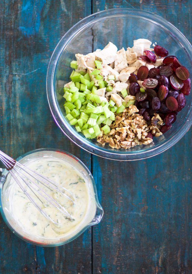 Cách làm salad gà thơm ngon mới lạ