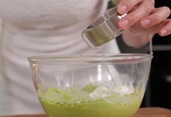 Cách làm salad hải sản ngon mê li