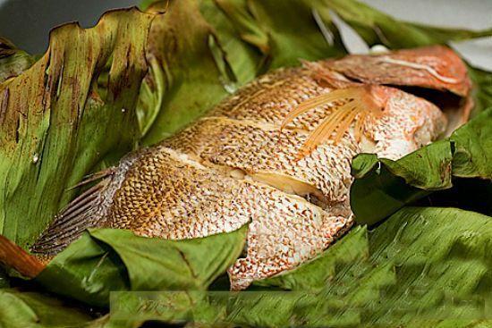Hướng dẫn làm món cá hấp chuối dân dã