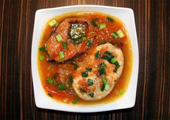 Làm sao nấu món cá ngừ sốt cà chua đậm đà