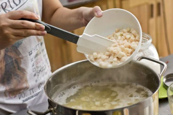 Cách nấu chè bưởi ăn ấm mùa đông