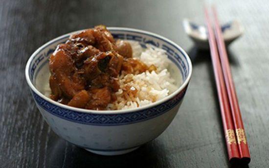 Cùng nấu món gà kho gừng cho bữa cơm thêm hấp dẫn