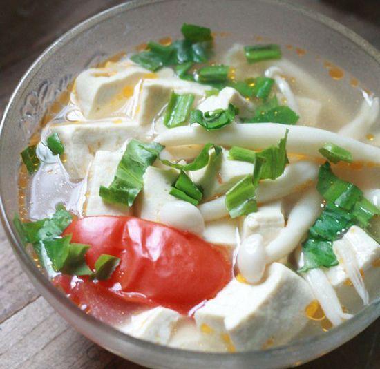 Canh đậu nấu nấm hải sản