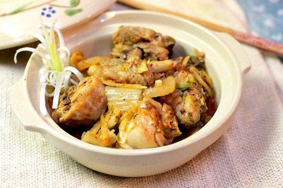 Hướng dẫn làm món kim chi nấu thịt gà