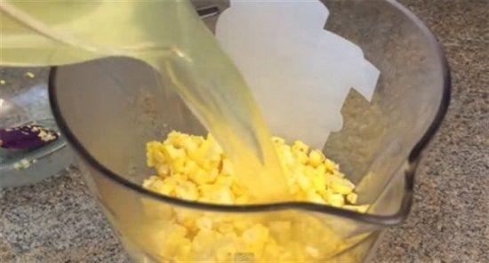 Học cách nấu sữa ngô mát lành ngày đông