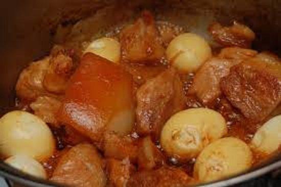 Hướng dẫn nấu món thịt kho tàu đơn giản mà thật ngon