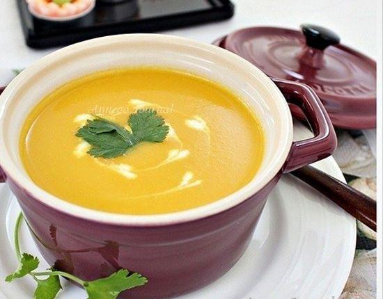 Tự làm súp cà rốt bổ dưỡng cho bé