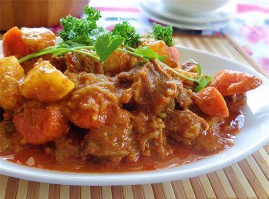 Thịt bò hầm khoai tây