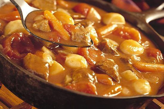 Thịt bò nấu khoai tây cà rốt