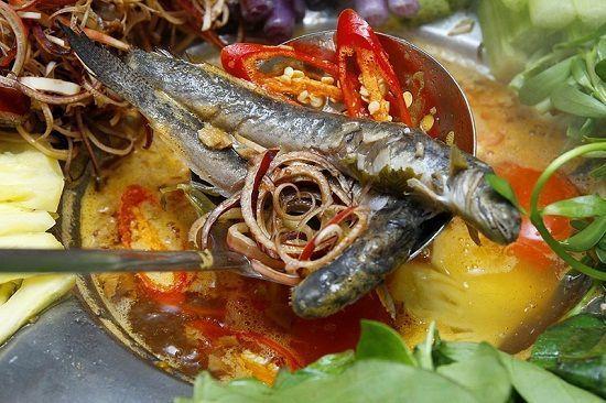 Cách nấu lẩu cá kèo lá giang đơn giản