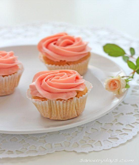 Học trang trí cupcake tình yêu