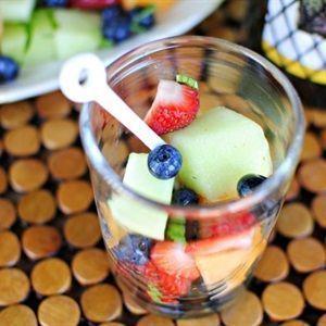 Salad trái cây rượu vang trắng