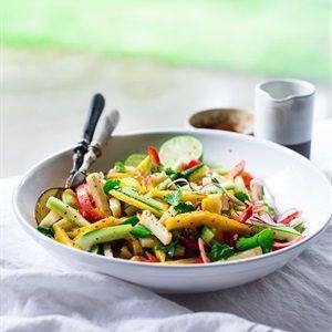 Salad xoài rau củ chua ngọt