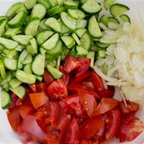 Salad dưa leo cà chua