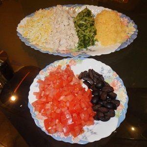 Salad thịt gà hình dưa hấu
