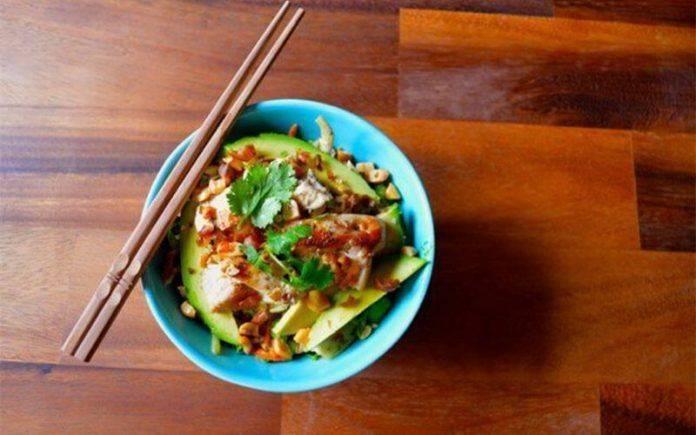 Gỏi gà Thái Lan